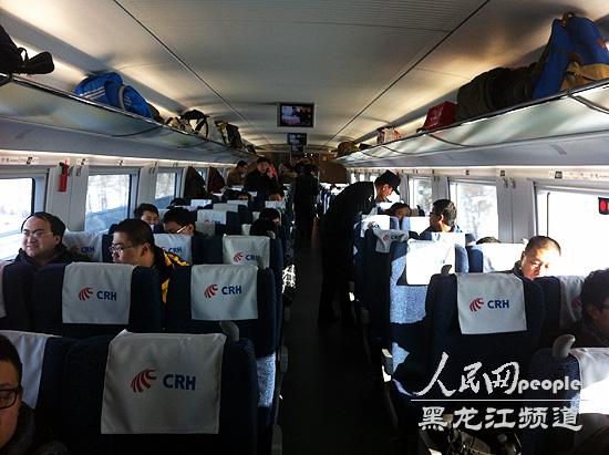 世界首条高寒高速铁路哈大高铁正式开通运营-