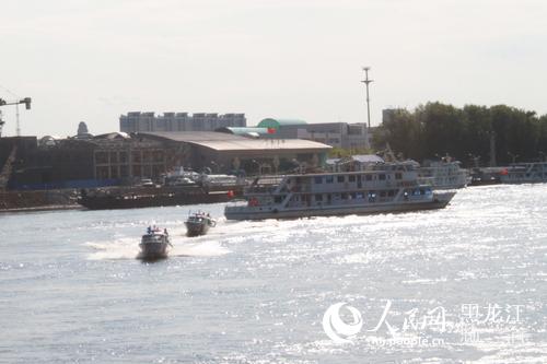 黑河大岛口岸进行国际客运航线客船消防救生演习