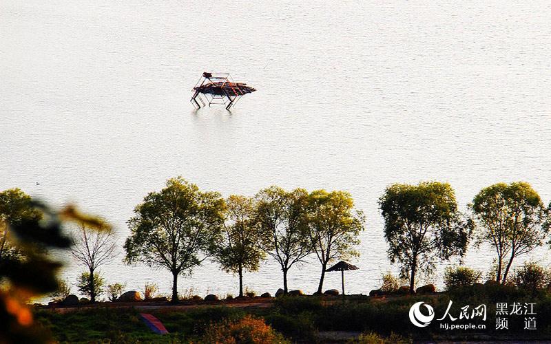 小南山风景区现建有南山公园,饶河抗日英雄纪念碑,饶河县博物馆,日军