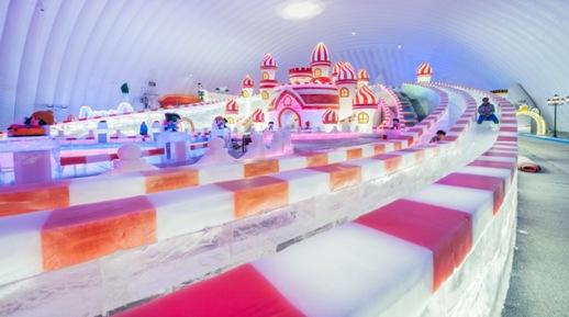 哈爾濱冰雪大世界主題樂園開啟夏日玩冰看雪之旅----