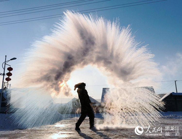 12月3日,在黑龙江省漠河县