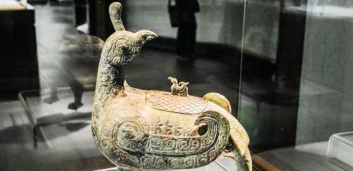 """山西博物院""""镇馆之宝""""晋侯鸟尊将再修复(图)"""