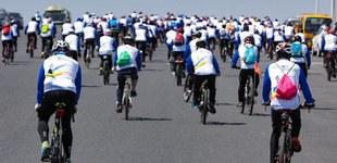 """""""燃情单车 纵行龙江""""骑行活动第二季启动        骑行爱好者以骑行的方式倡导""""绿色、健康、环保、低碳""""的生活理念,体验运动的激情。"""