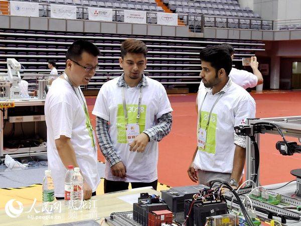 第十二屆全國大學生電氣與自動化大賽舉行44所高校67支隊伍同臺競技_發動機漏油