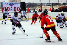 中俄界江黑龙江国际冰球友谊赛开赛