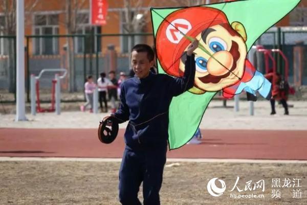 塔河县举行第二届风筝文化节