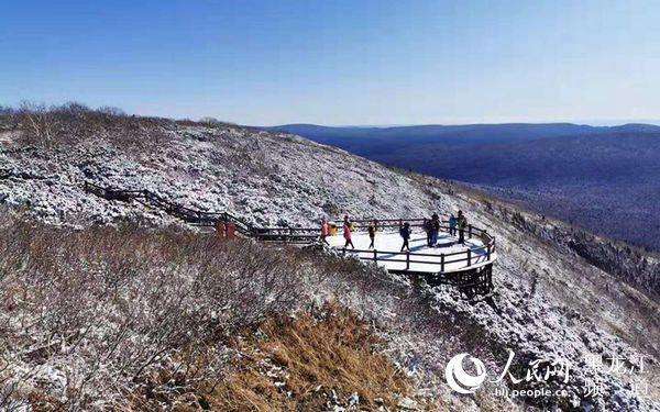 观五花山色、赏初雪景、乘森林小火车十一假期龙江森工景区看点多