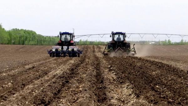 甘南县提振兴农手段确保农业丰产丰收